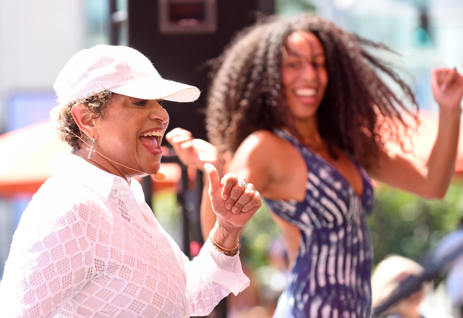 Dance Sundays with Debbie Allen and Friends. Salsa featuring Debbie Allen.