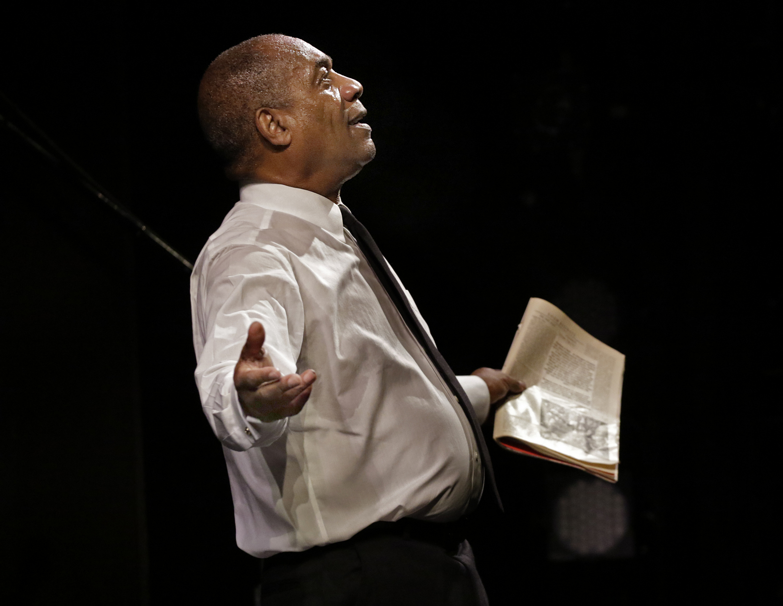 Turn Me Loose at the Wallis Annenberg Center for the Performing Arts. Pictured: Joe Morton as Dick Gregory. Photo credit: Lawrence K. Ho.