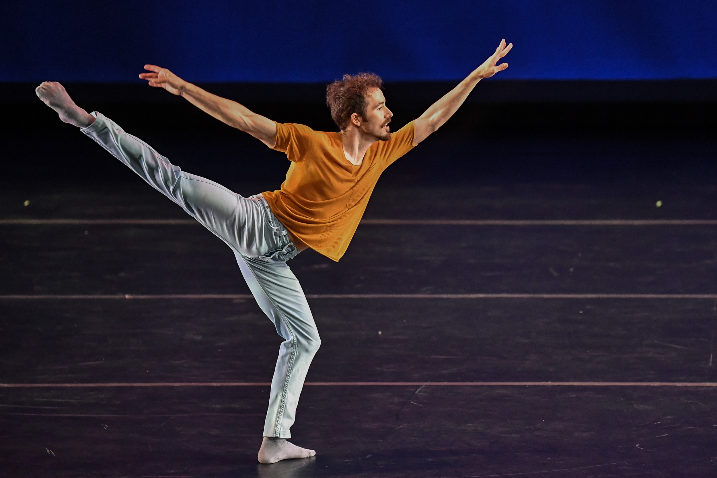 BODYTRAFFIC performing at the Wallis Annenberg Center for the Performing Arts May 31, 2018. o2Joy. Choreography: Richard Siegal. Guzmán Rosado. PHOTO CREDIT: Rob Latour.